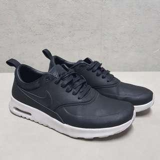 Women's Nike Air Max Thea PREMIUM  - Size 6.5 @ Php2,500