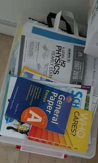 'A' level revision notes and books physics, GP and econs.