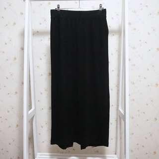🚚 UNIQLO休閒素面鬆緊腰棉質彈性後開衩顯瘦長裙-黑M