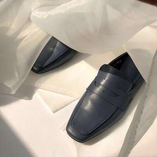 STUDIO DOE 純色方頭穆勒鞋