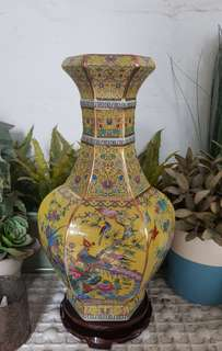 Yellow Vintage Design Display Vase