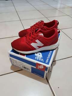 Sepatu New Balance, size 30, with box