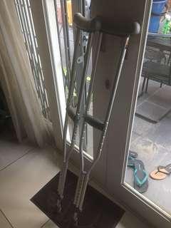M size Shoulder Crutches