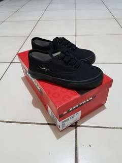 Sepatu Airwalk, masih baru, size 28,5