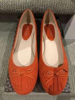 Women's orange flats size 7