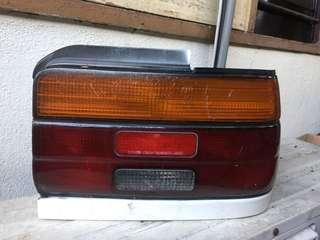 Toyota seg lampu belakang