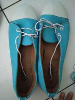 Sepatu size 39