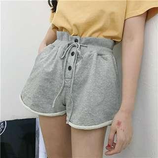 🚚 高腰排扣棉質短褲