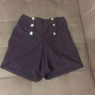 Brown highwaist shorts