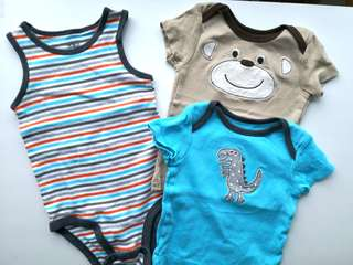 PRELOVED CARTER Sleeveless Onesie and Baby T-shirts - in very good condition