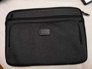 Tumi laptop bag 15in
