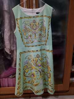 Icon semi dress size S