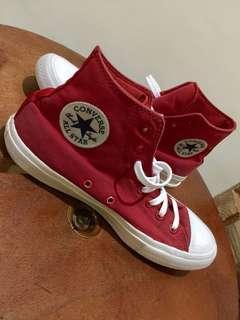 Dijual Converse All Star Chuck Taylor II Hi