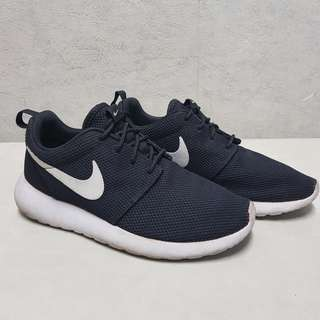 Women's Nike Roshe One - Size 6.5 @ Php1,850
