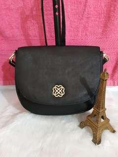 Morgan sling bag