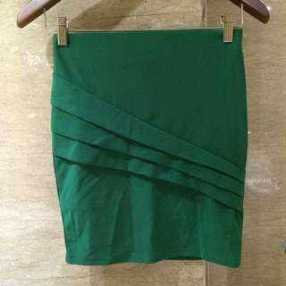 Green Skirt stretch