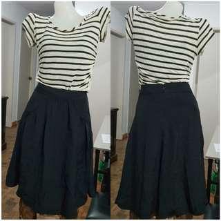 Banana Republic Black Flowy Skirt