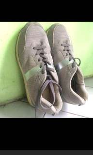 Atmosphere shoes