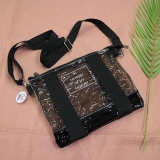 透明果凍色英文造型中性側背包