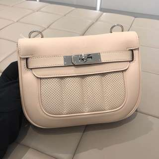 Hermes mini berline