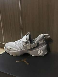 Sepatu nike jordan trunner LX