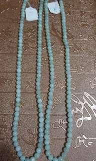 天然翡翠頸鏈,每珠5.4mm,長25 cm, 一條$300,兩條$500。
