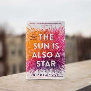 (INSTOCK) THE SUN IS ALSO A STAR By Nicola Yoon