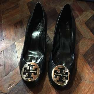 Original Tory Burch Sally wedge shoes Patent Leather Gold Logo