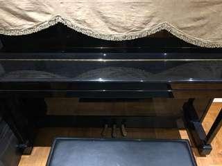 Yamaha upright piano M112T
