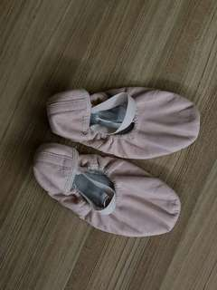 BLOCH ballet shoes size 2C