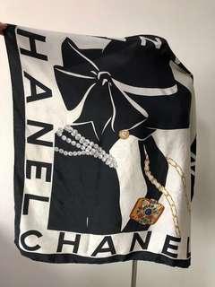💯真品 Auth Chanel 100% silk scarf 黑白色CoCo人像優雅真絲圍巾絲巾