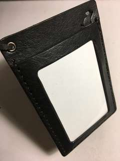 🚚 Leather ID card holder