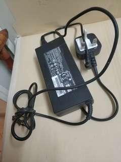 手提電腦充電器
