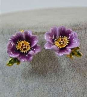 Les Nereides purple flowers earrings
