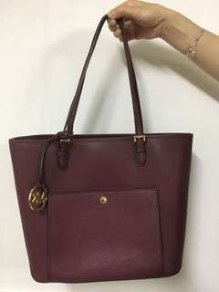 Michael Kors Large Snap Pocket Tote (Merlot)(Almost New)