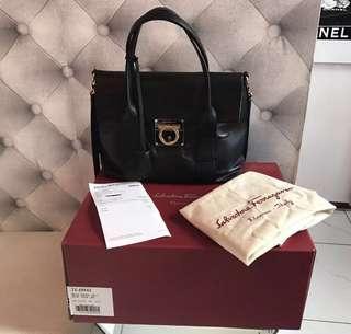 🈹💯Salvatore Ferragamo handbag