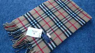 Burberry lambswool scarf