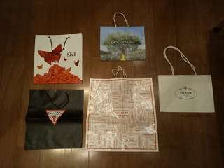 PAPER BAG BRANDED MEDIUM AND LARGE SIZE