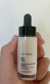 Body Shop - SHADE ADJUSTING DROPS LIGHT 15ML