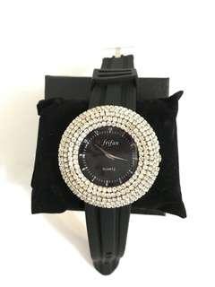 🈹型格水晶手錶
