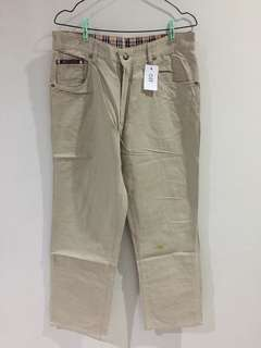 011 BURBERRY JEANS