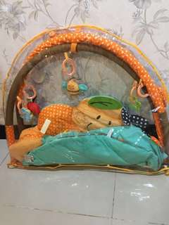 Tempat mainan bayi 0-9bln