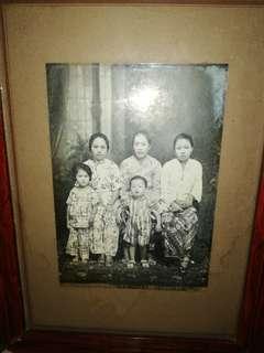 Nyonya Family Photo