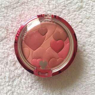 blush on