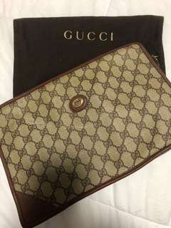 AUTHENTIC GUCCI VINTAGE CLUTCH
