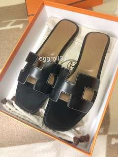 Hermes oran sandals black box