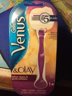 BNIP Gillette Venus & Olay Shaver