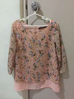 Forme layered salmon floral blouse