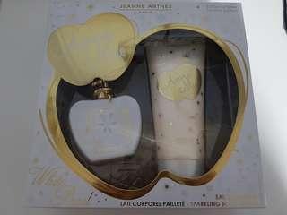 🚚 Jeanne Arthes Amore Mio White Pearl Gift Set