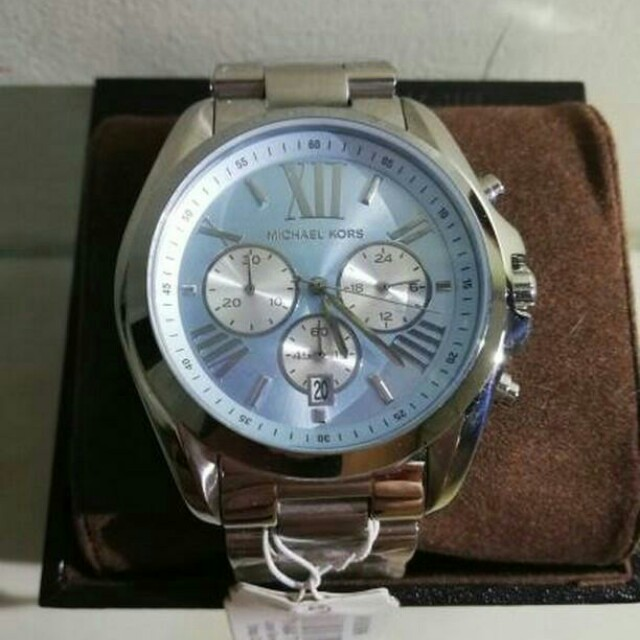 47a9ae76e5d2 AUTHENTIC AND BRAND NEW MICHAEL KORS BRADSHAW CHRONOGRAPH BLUE DIAL ...